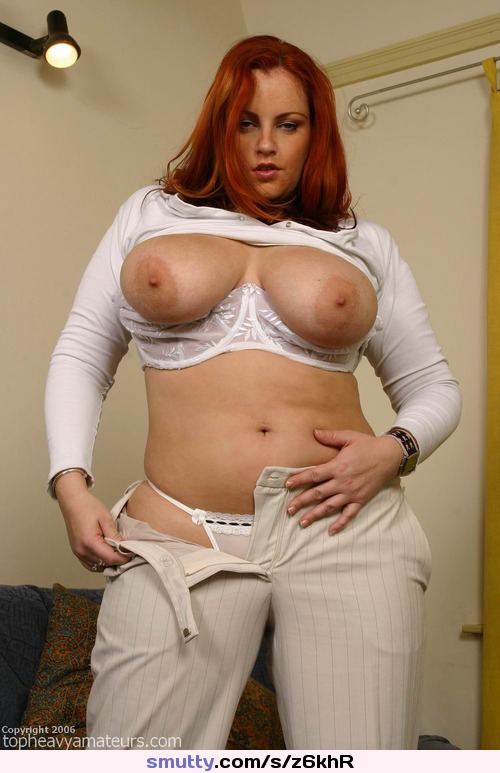billie bombs big tits model showing shaved pussy