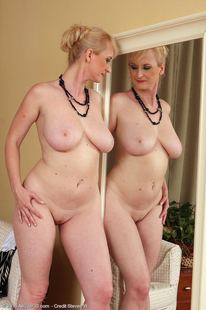 hd sex video mom and son