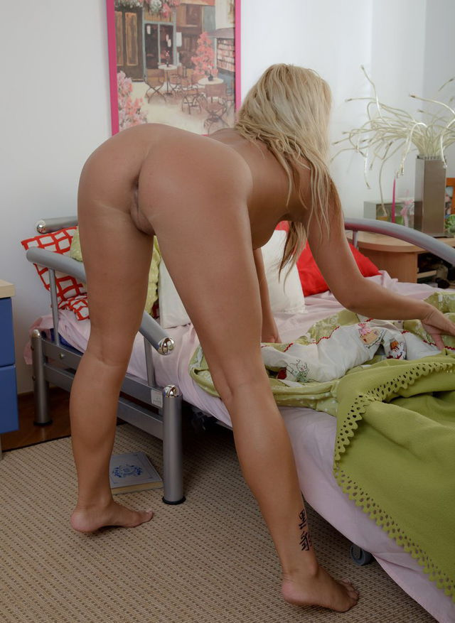 amy hand ass is yes porn pics xxx