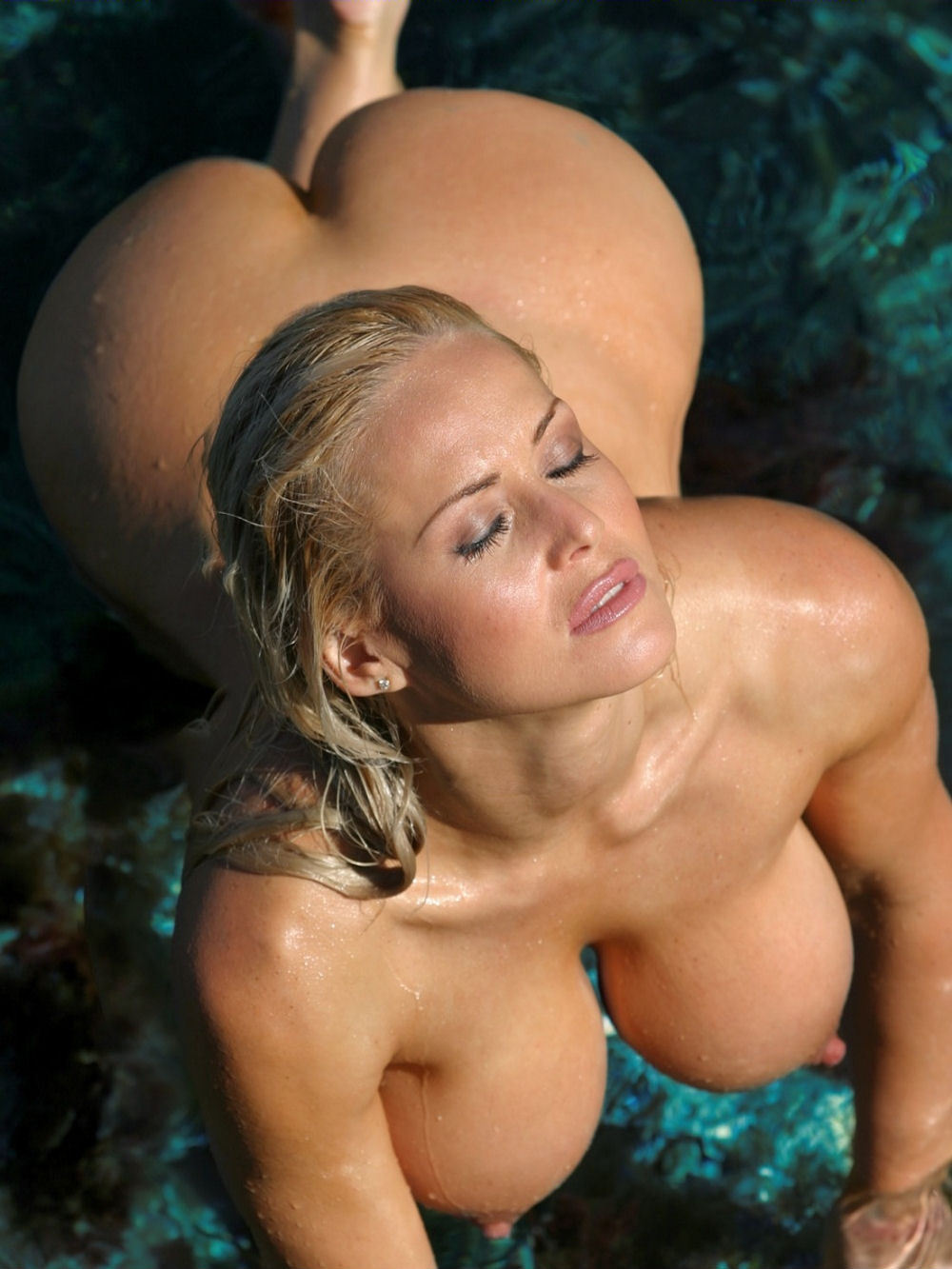 lena paul gets a penis inside her pussie