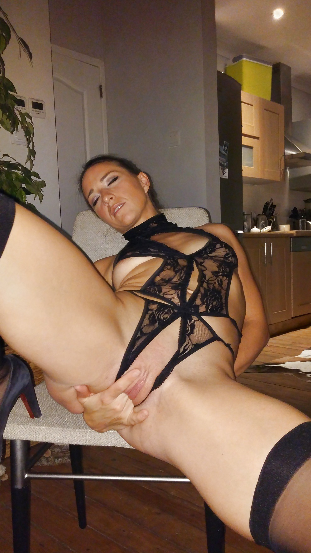 blonde shemale thais schiavo tugging on her hard cockdia video tube videos tmb